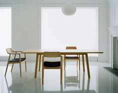 Hiroshima dining chairs and table. Naoto Fukasawa for Maruni. Kitchen Dinning Room, Dining Room Table Chairs, Hiroshima, My Furniture, Furniture Design, Naoto Fukasawa, Interior Decorating, Interior Design, Take A Seat
