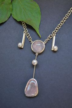 If you love pastel-colored jewelry and have a penchant for unique jewelry, you should now look at the necklace with freshwater pearls and rose quartz. necklace Source by steiner_schmuck Unique Necklaces, Unique Jewelry, Shops, Quartz, Pendant Necklace, Pearls, Gold, Necklaces, Pink Quartz
