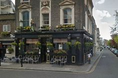 Chelsea gay pub The Queen's Head to shut after row over new lease