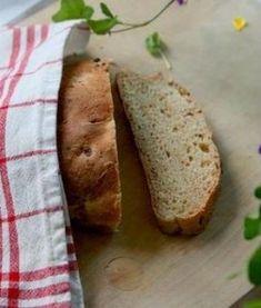 Om man som vi bakar allt sitt bröd själv så gäller det att hitta recept som är enkla. Det här är en gammal favorit. Ett enkelt vardagsbröd som är extra Mixed Fruit, Mixed Berries, Our Daily Bread, Bread Recipes, Banana Bread, Blueberry, Raspberry, Food And Drink, Breakfast