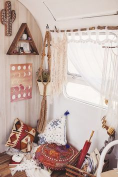 Free Your Wild :: Beach Boho :: Living Space :: Bedroom :: Bathroom ::  Outdoor :: Decor + Design :: See More Bohemian Style Home Inspiration