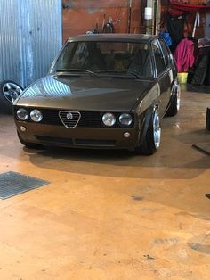 Sports Cars That Start With M [Luxury and Expensive] Alfa Romeo Gtv6, Alfa Romeo 155, Alfa Romeo Cars, Vintage Sports Cars, Vintage Cars, Alfa Alfa, Vw Mk1, Classy Cars, Mc Laren