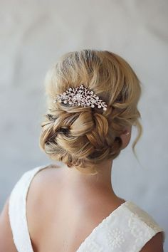 """Vintage Hairstyles Updo Zoe Hair Comb - Vintage appeal with vines and flowers with glittering crystals. L x T"""" Also available in Silver. Loose Wedding Hair, Elegant Wedding Hair, Vintage Wedding Hair, Wedding Hairstyles For Long Hair, Vintage Hairstyles, Teenage Hairstyles, Glamorous Wedding, Trendy Wedding, Box Braids Hairstyles"""