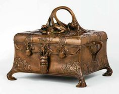 Art Nouveau Hydra Casket, patinated bronze and velvet-lined interior 1902 safe produced by F. Wertheim & Comp.   Vienna