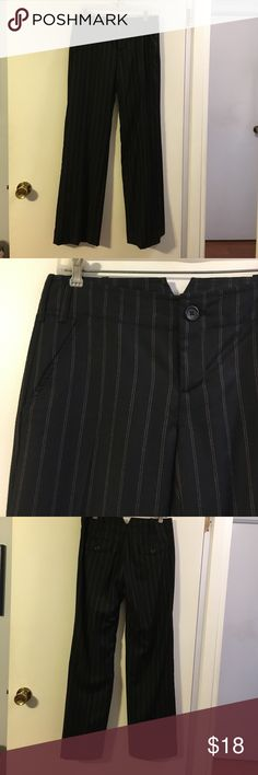Banana republic stretch pinstriped trousers Wool with a touch of spandex. Fully lined. Flat front. Slash front pockets Banana Republic Pants Trousers