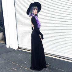Kill me the way you like it. The black magick dress from @blackwednesday @dollskill  @unif hat.