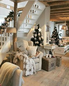 White Living: Country Cottage similar projects and ideas as presented in the picture . - White Living: Country Cottage similar projects and ideas as presented in the picture can also be fo - Sweet Home, Home And Deco, Christmas Home, Christmas Trees, Cottage Christmas, Country Christmas, Xmas, Christmas Kitchen, White Christmas