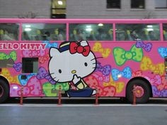 Hello Kitty Bus....if i had a reason to Tour, this would be my tour bus