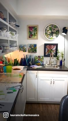 Mosaic Garden Art, Mosaic Art, Mosaic Glass, Glass Art, Corner Desk, Kitchen Cabinets, Studio, Art Ideas, Collage