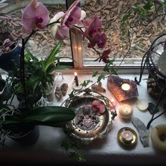 celestinewiitch The prettiest altar I've made in a long time