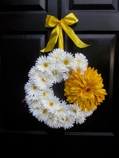 White and Yellow Daisy Wreath by MonicaMurrayHome on Etsy,