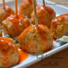 Easy, delicious and healthy Buffalo chicken meatballs recipe from SparkRecipes. … Easy, delicious and healthy Buffalo chicken meatballs recipe from Think Food, I Love Food, Good Food, Yummy Food, Fun Food, Tapas, Buffalo Chicken Meatballs, Turkey Meatballs, Healthy Meatballs