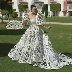 Miss Intercontinental Philippines 2017 Katarina Rodriguez wearing Francis Libiran gown Philippines Fashion, Philippines People, Philippines Culture, Francis Libiran Gowns, Modern Filipiniana Gown, Filipina Beauty, Wedding Costumes, Fantasy Dress, Traditional Dresses