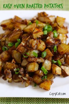 Easy Oven Roasted Potatoes - a Simple Side Dish to Love with Potatoes, Lipton Onion Soup Mix, Oil, Red Bell Pepper, Onion. Potato Side Dishes, Side Dishes Easy, Vegetable Side Dishes, Vegetable Recipes, Main Dishes, Roasted Potato Recipes, Oven Roasted Potatoes, Diced Potatoes In Oven, Cheesy Potatoes