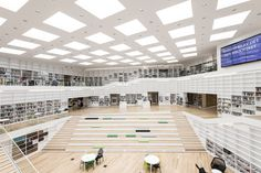 White room: This stunning wide-open space is actually the Dalarna Media Library in Falun, Sweden. The building is open to the public as a research facility Architecture Design, World Architecture Festival, Library Architecture, Architecture Awards, Architecture Collage, Library Design, Children's Library, Learning Spaces, Atrium