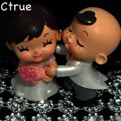 Bride and Groom Couple Figurine Wedding Cake Topper - Wedding Look
