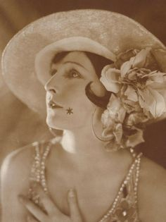 Lilian Harvey, 1920's (1906-1968).  British-born actress and singer, long-based in Germany.
