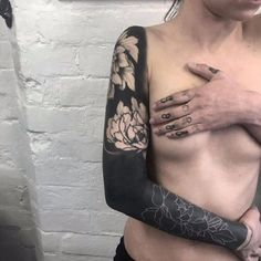 Flowery white blast over by Max Rathbone whiteblastover MaxRathbone blastover whiteink blacksleeve coverup flower 4 Tattoo, Cover Tattoo, Body Art Tattoos, Girl Tattoos, Sleeve Tattoos, Tatoos, Blackwork, Blast Over Tattoo, Tattoo Designs