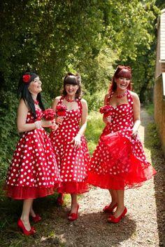 Red Rockabilly - Love the polka dot pattern, halterneck and full net petticoat! Vestidos Rockabilly, Rockabilly Mode, Rockabilly Wedding, Rockabilly Fashion, Rockabilly Dresses, 1950s Dresses, Vintage Bridesmaid Dresses, Wedding Bridesmaids, Wedding Dresses