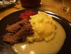 Hirvipaisti (todella murea!) Mashed Potatoes, Recipies, Food And Drink, Tuli, Cooking, Ethnic Recipes, Steaks, Koken, Whipped Potatoes