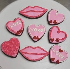 Chocolate Sugar Cookies Chocolate Sugar Cookies, Iced Cookies, Valentines Day Cookies, Sugar Art, Sweet Cakes, Desserts, Recipes, Decorated Cookies, Tailgate Desserts