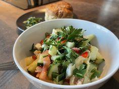 Dokonalý šopský šalát, iný zeleninový šalát už u nás nikto nechce Potato Salad, Potatoes, Chicken, Meat, Ethnic Recipes, Food, Potato, Essen, Meals