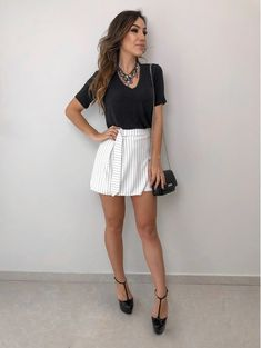 Expensive Women S Fashion Brands Fashion For Petite Women, Womens Fashion Casual Summer, Womens Fashion For Work, Fashion Over 40, Look Fashion, Fashion Fall, Fashion Boots, Women's Fashion Dresses, Casual Looks