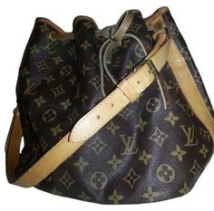 9b8a19d6050c Get one of the hottest styles of the season! The Louis Vuitton Monogram  Petit Noe Brown Monogram Tote Bag is a top 10 member favorite on Tradesy.