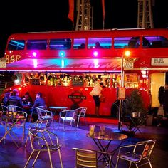 London Bus Bar Hire, fully stocked and staffed bar for your event.