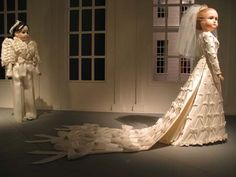 The Viktor & Rolf wedding dress designed for Dutch princess Mabel. Best ribbon dress ever, should I just get something designed based on this?