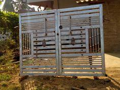Home Gate Design, House Main Gates Design, Steel Gate Design, Front Gate Design, House Front Design, Iron Fence Gate, Welding Works, Grill Door Design, Metal Doors