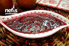 Muhteşem Nar Reçeli (Tam Ölçülü) Tarifi – Vegan yemek tarifleri – Las recetas más prácticas y fáciles Healthy Eating Tips, Healthy Nutrition, Pomegranate Jam, Pomegranate Recipes, Good Food, Yummy Food, Delicious Recipes, Vegetable Drinks, Turkish Recipes