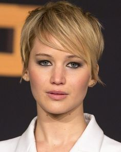 30 Chic Pixie Haircuts: Stunning Short Layered Hairstyle