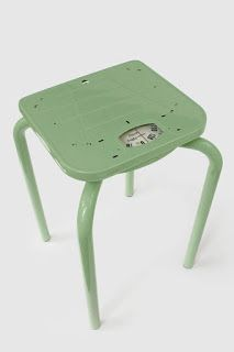 Upcycling-Ideen: Hocker The post Upcycling-Ideen: Hocker appeared first on Farm House Decor. Funky Furniture, Recycled Furniture, Classic Furniture, Unique Furniture, Furniture Makeover, Furniture Design, Luxury Furniture, Office Furniture, Diy Upcycling