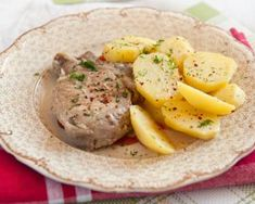 Favorite Saucy Pork Loin and Potatoes - Limitless Life Coaching Crock Pot Slow Cooker, Slow Cooker Recipes, Crockpot Recipes, Cooking With White Wine, Cooking Wine, Pork Bacon, Peeling Potatoes, Gluten Free Chicken, White Meat