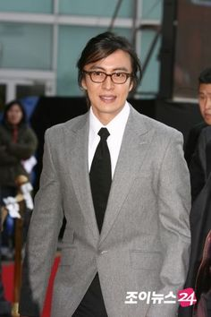 Bae Yong Joon, Hyun Young, Park Seo Jun, Breast, Suit Jacket, Handsome, Suits, Pictures, Jackets