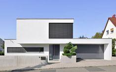 0905 Einfamilienhaus, Neubau   a.punkt architekten Cottage, Architecture, Exterior Design, Townhouse, Bungalow, My House, House Plans, Sweet Home, Garage Doors