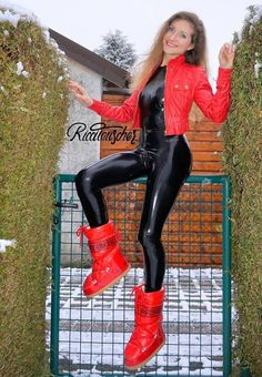 Wet Look Leggings, Latex Catsuit, Latex Girls, Latex Fashion, Leather Leggings, Leather And Lace, Hot, Erotic, Tights