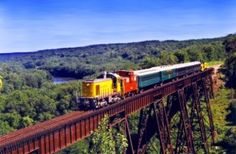 Boone & Scenic Valley Railroad excursion train rides