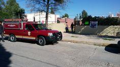 Movilización de bomberos por serpiente en primaria en la colonia San José