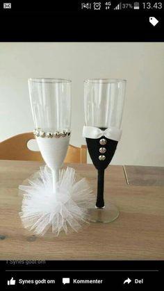 Glas til brudepar .med penge i.
