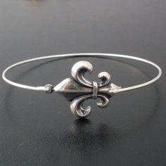 Fleur de Lis Bangle Bracelet