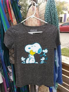 Snoopy Peanuts Woman's Snoopy hugging Woodstock! Heather Grey NWT size XS #Peanuts #GraphicTee