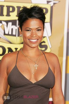 """Photo: WENN 2010 This Wednesday, actress Nia Long turned 43 years old and the mother of two continues to defy the rules of time. She looks fabulous! Evidence will show with the premiere of """"The Best Man Holiday"""" (due … How To Look Attractive, Selena, Actrices Sexy, Nia Long, Black Actresses, Star Wars, Beautiful Black Women, Hair Designs, Short Hair Styles"""