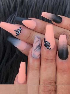Fashionable ideas of orange blended nail arts and designs for women to show off in 2018. See here and learn how to do these beautiful trends of orange nails step by step. If you are feeling bored with your existing nail designs then we recommend you to see here for amazing ideas of fresh orange nail arts for 2018.