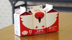 トキをモチーフにしたバリエーションある紙パックが大人気の佐渡牛乳。佐渡ファンのライターが製造元の佐渡乳業を取材しました。熱く語ります。(古賀)
