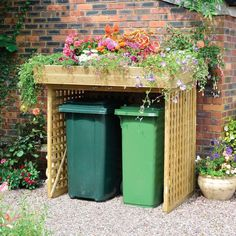Shed Ideas - Shed Plans - Kanny Wheelie Bin Storage with Planter with No Doors x - Now You Can Build ANY Shed In A Weekend Even If Youve Zero Woodworking Experience! Now You Can Build ANY Shed In A Weekend Even If You've Zero Woodworking Experience! Back Gardens, Small Gardens, Bin Store Garden, Bin Shed, Trellis Panels, Garden Makeover, Diy Garden Decor, Balcony Decoration, Storage Bins