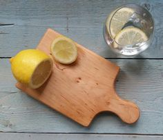 Don't contaminate your everyday board with strong scented foods such as garlic & chilli. 🌶 Keep a separate smaller board.   https://www.etsy.com/uk/listing/243543076/mini-chopping-board-perfect-for-the