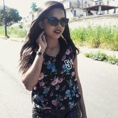 Tirei fotos de #lookdodia com esse óculos divo da #bleudame e essa blusa da #frontrowshop. Será o primeiro post de #2015, aguardem! www.rockcomluxo.com  #rockcomluxo #look #lookrock #fashion #fashionblogger #fashionrock #vidadeblogueira #lookoftheday #blog #blogsalvador #blogbaiano #picoftheday