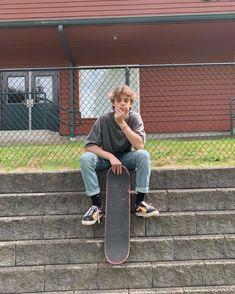 Skater Discover imagines - tiktok boys - jason waud eu vim pra esse mundo p me iludir. Skater Boy Style, Hot Skater Boys, Look Skater, Grunge Outfits, Boy Outfits, Beautiful Boys, Pretty Boys, Boys Lindos, Estilo Indie